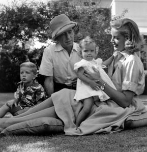 _a-Lauren Bacall -Humphrey Bogart-filhos