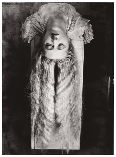 woman-with-long-hair-1929
