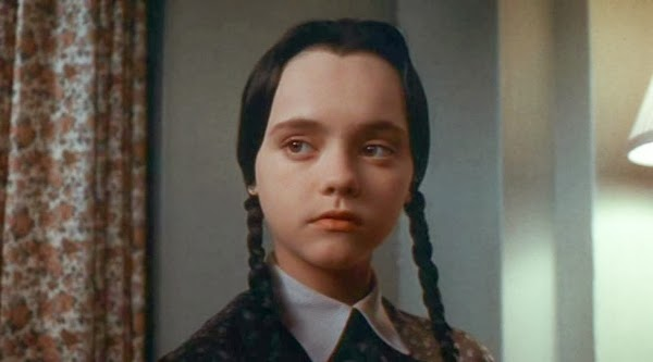 600full-addams-family-values-photo