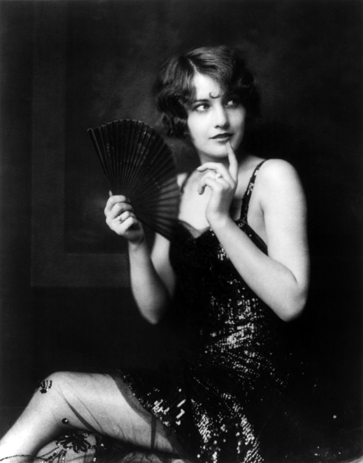 Barbara_Stanwyck,_Ziegfeld_girl,_by_Alfred_Cheney_Johnston,_ca._1924