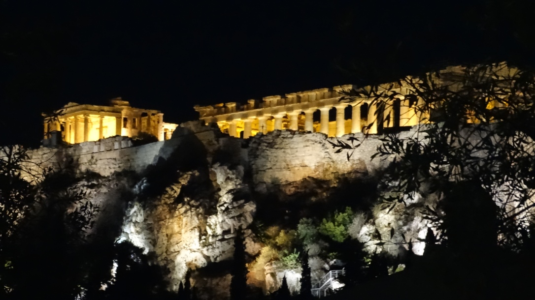 Athens is best at night. The evening culture begins around five and extends past midnight. That's the time to pick out your souvenirs and eat, drink, and be merry.
