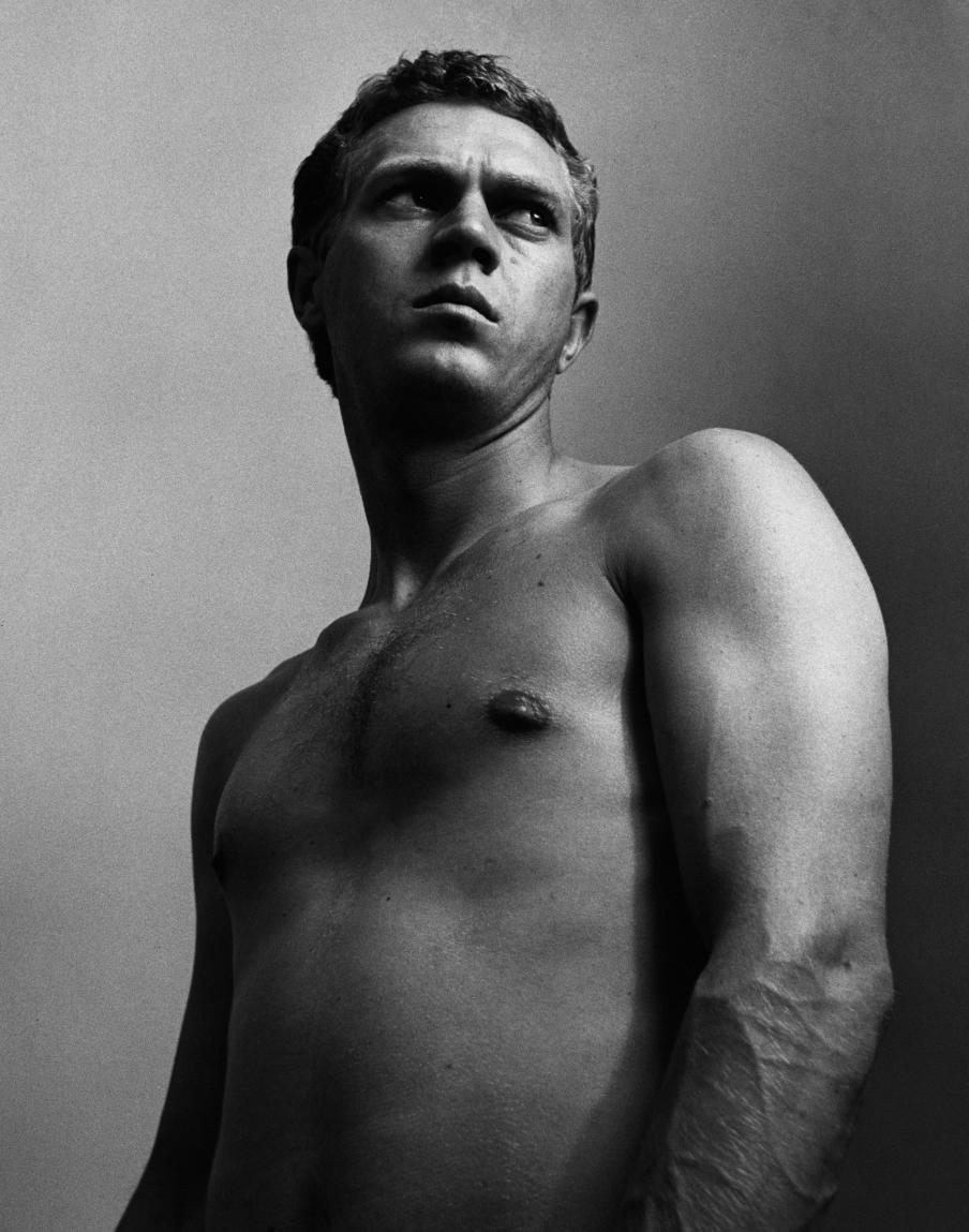 1956 photo by Roy Schatt
