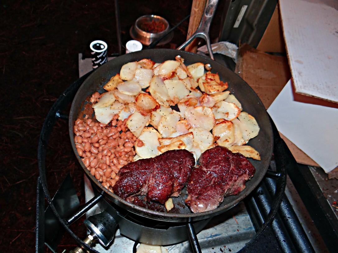Steak, potatoes & beans