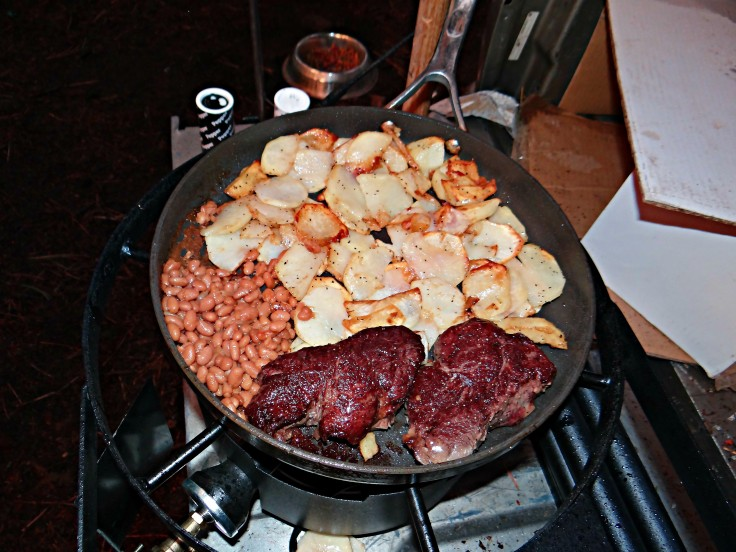 Steak, potatoes & beans